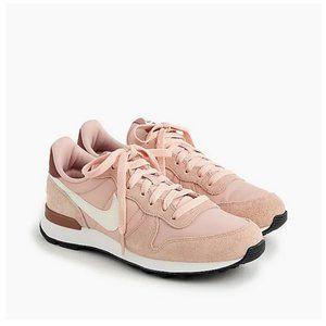Women's Nike Internationalist sneakers Size 10